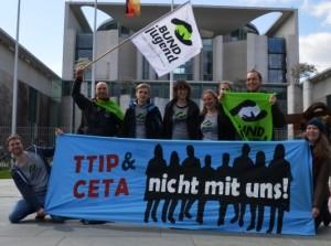 Globaler-Aktionstag-gegen-TTIP 18.4.2015_Bundesverband_Gruppenbild